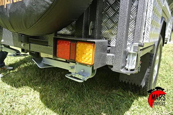 maven-tail-lights-on-twin-wheel-holder